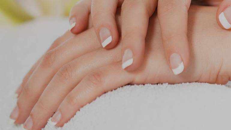 How to keep your nails healthy this winter